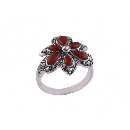 Stříbrný prsten s karneoly