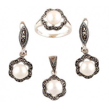 Stříbrná souprava s mořskými perlami