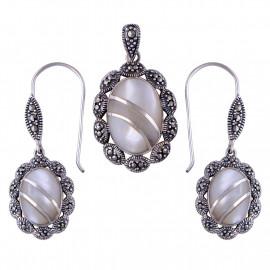 Stříbrná souprava s perletí