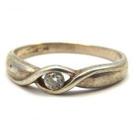 Stříbrný prsten s bílým topazem