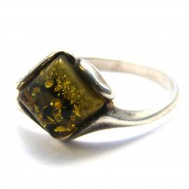 Stříbrný prsten s jantarem