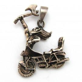 Stříbrný přívěsek motorka