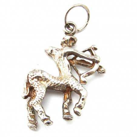 Stříbrný přívěsek kentaur