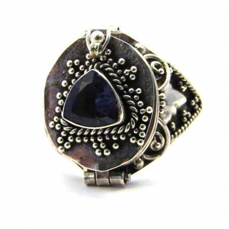 Stříbrný jedový prsten s iolitem