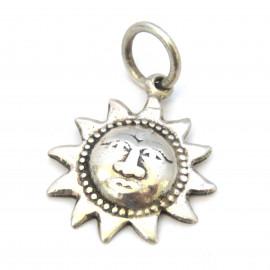 Stříbrný přívěsek slunce