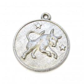 Stříbrný přívěsek znamení býk