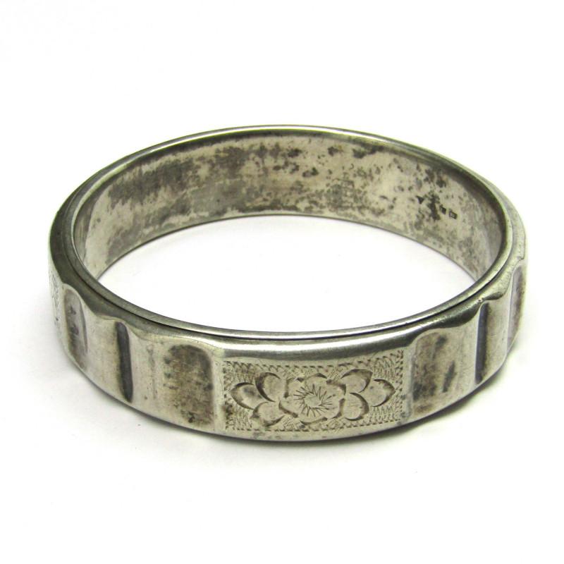 Stříbrný gravírovaný náramek