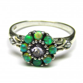 Stříbrný prsten s opály