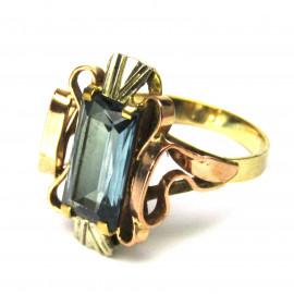 14 kt zlatý prsten s topazem