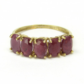 Zlatý prsten s rubíny