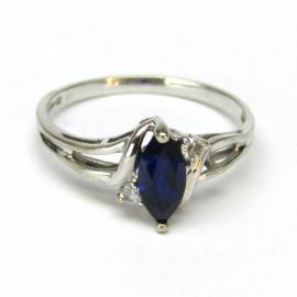 Zlatý prsten se safírem a brilianty