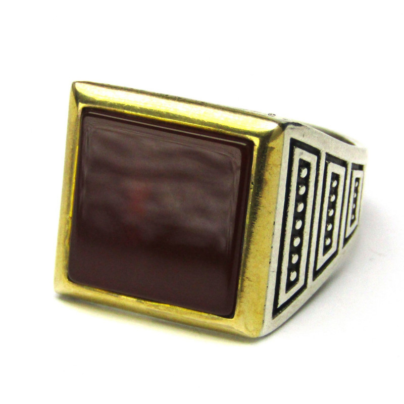 Stříbrný prsten s karneolem