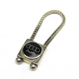 Stříbrný přívěsek na klíče Audi