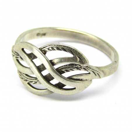 Stříbrný gravírovaný prsten