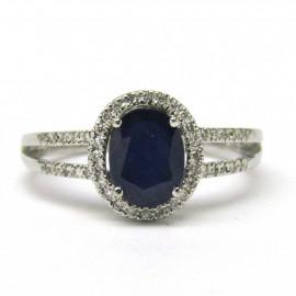 14 kt zlatý prsten safír 2.20 kt a brilianty 0.25 kt