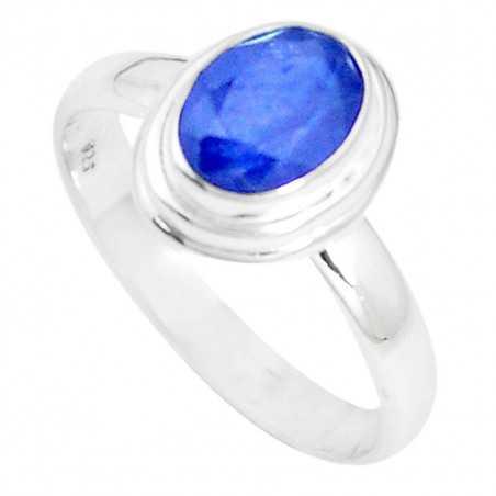 Stříbrný prsten se safírem