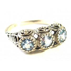 Stříbrný prsten s akvamaríny