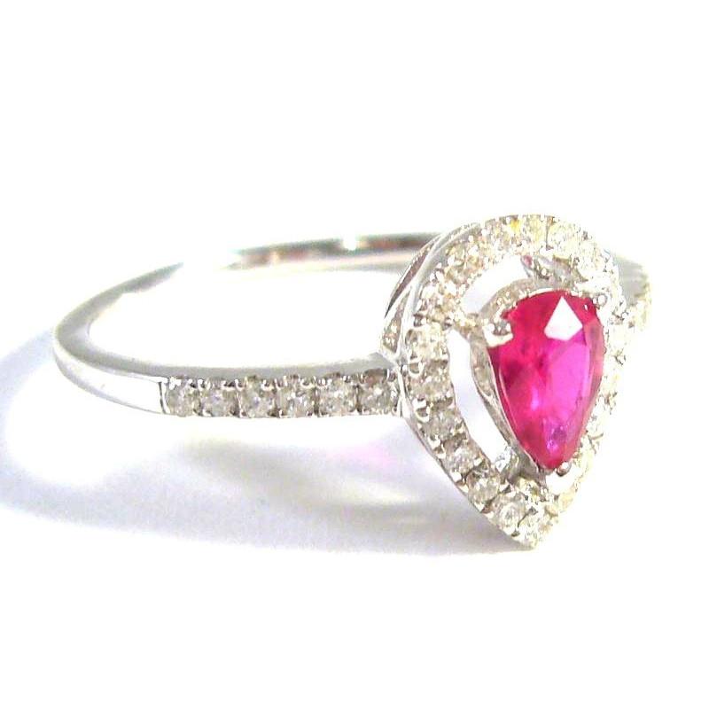 18 kt zlatý prsten s brilianty a rubínem
