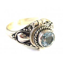 Stříbrný jedový prsten s přírodním topazem