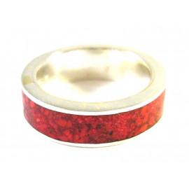 Stříbrný prsten vykládaný mořským korálem