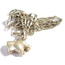 Stříbrný náhrdelník s pumou z Itálie