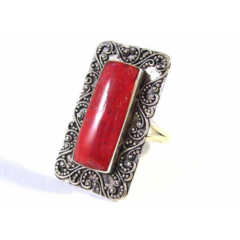 Stříbrný prsten s přírodním korálem