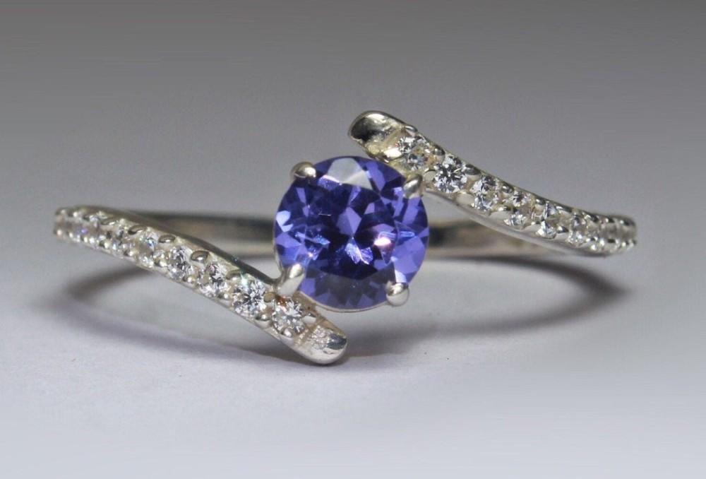 Prsten s tanzanitem